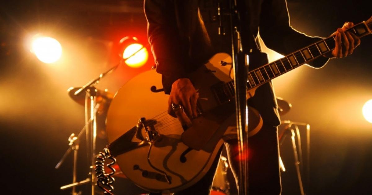 ギターとボーカル