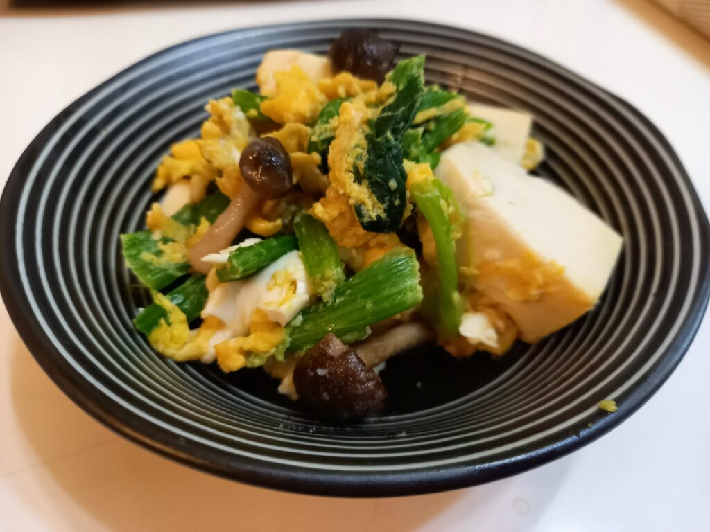 ほうれん草と豆腐の卵とじ